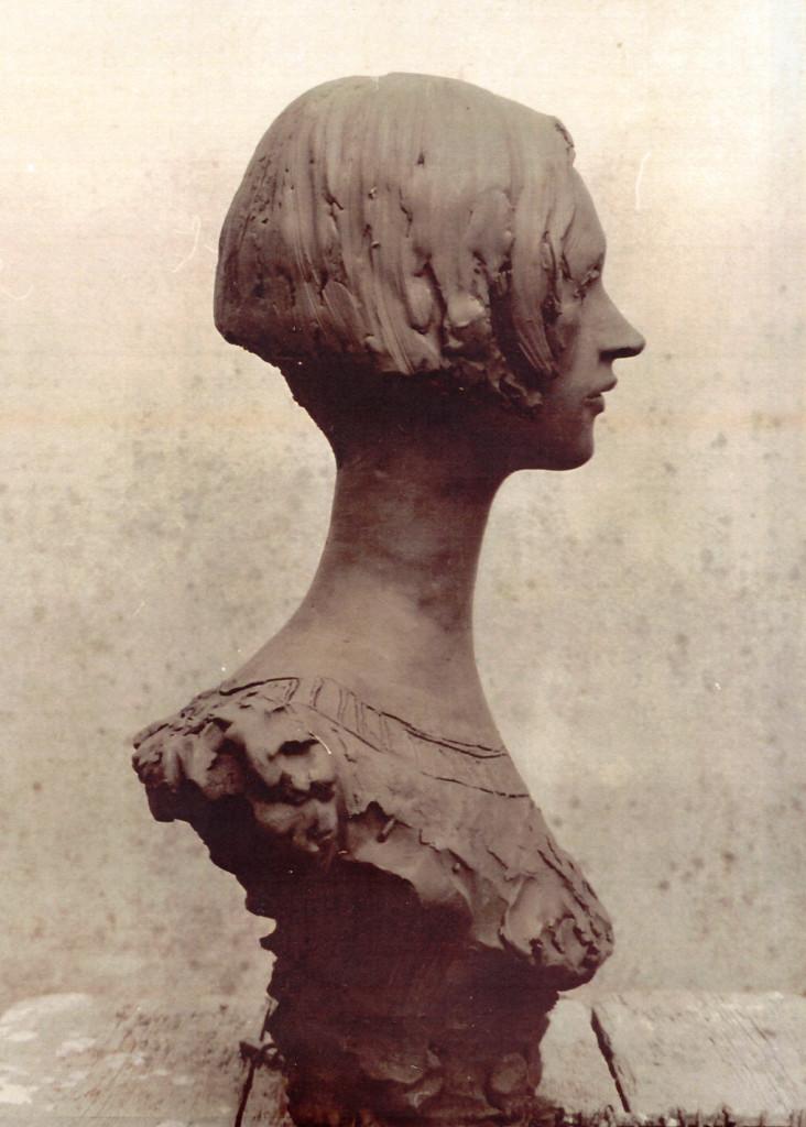 11 Debora, 2001, gesso policromo
