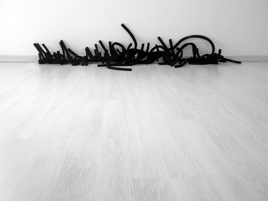 5  Untitled (Senza titolo), feltro nero, 2 m, 2009